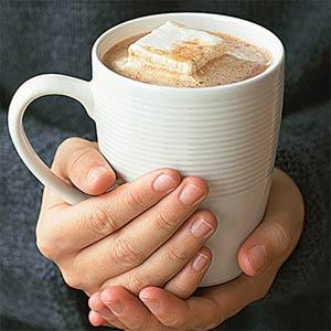 Популярные кофейные напитки портят зубы, говорят дантисты.